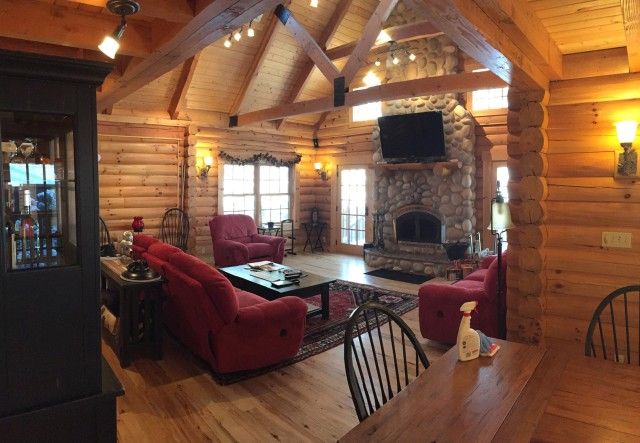 Custom Log Home Lodge